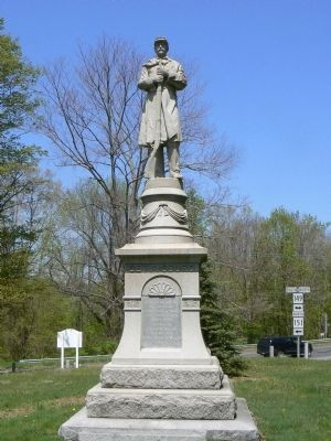 Soldiers' Memorial, Moodus Green image. Click for full size.