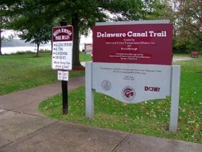 Delaware Canal Trail Sign image. Click for full size.