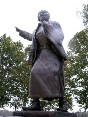 Harriet Ross Tubman Statue image. Click for full size.