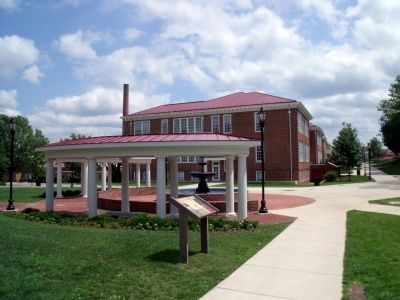 Longwood University campus image. Click for full size.
