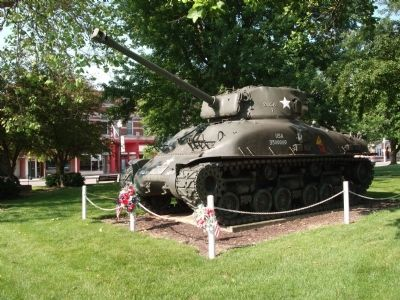 Other View - - W.W. II and Korean Conflict - War Memorial Marker - & - Tank image. Click for full size.