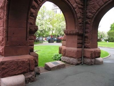 Landmark Plaque under Arch image. Click for full size.
