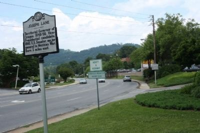 Joseph Lane Marker, looking north along US 25, Merrimon Avenue image. Click for full size.