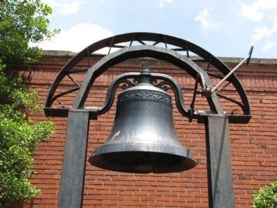 Mary Sharp College Bell image. Click for full size.