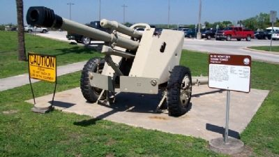 M-56 Howitzer 105mm Towed (Yugoslavia) and Marker image. Click for full size.