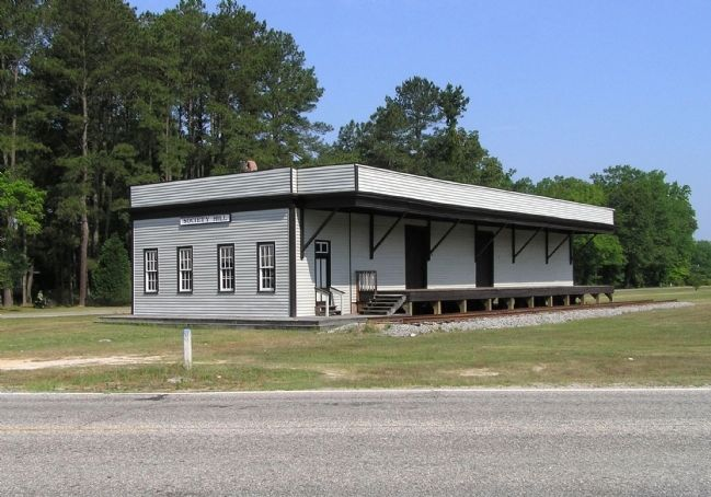 Cheraw & Darlington Railroad Depot (1866) image. Click for full size.