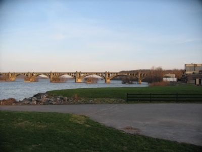 Wrightsville Bank and Bridge image. Click for full size.
