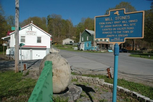 Mill Stones Marker and Mill Stones image. Click for full size.