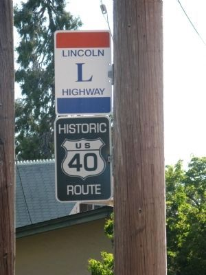 Building is Located on Historic US 40 / Lincoln Highway image. Click for full size.