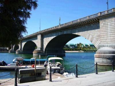London Bridge at Lake Havasu City image. Click for full size.