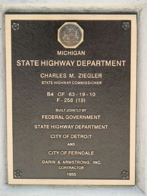 State Highway Department Plaque image. Click for full size.