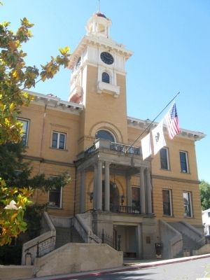Tuolumne County Courthouse image. Click for full size.