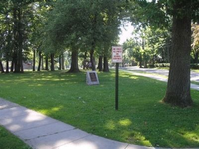 Marker on Washington Avenue image. Click for full size.