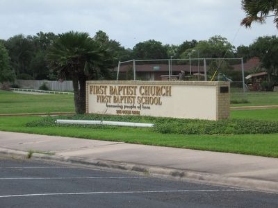 First Baptist Church of Corpus Christi entrance sign image. Click for full size.