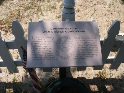 Small Marker at Cemetery Gate image. Click for full size.