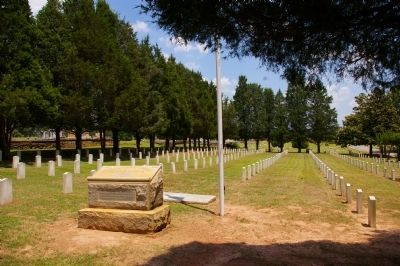 Confederate Section in Oak Hill Cemetery image. Click for full size.