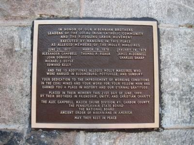 Hibernian Memorial Plaque near the old prison entrance image. Click for full size.