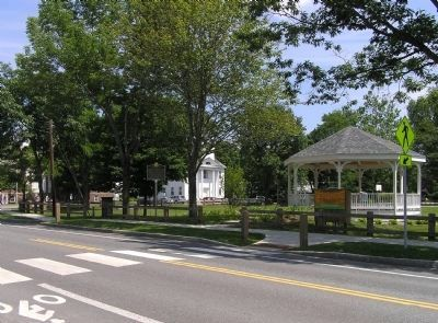 Wide view of the Alden Partridge Marker on the Norwich village green image. Click for full size.