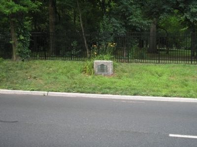 Marker on Morris Avenue image. Click for full size.