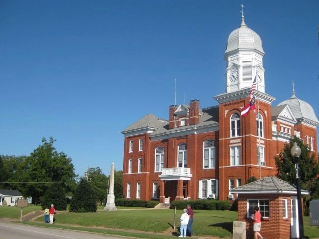 Taliaferro County Courthouse image. Click for full size.