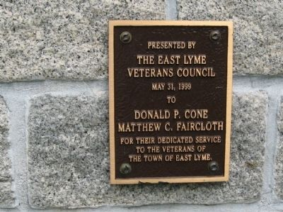 Small Plaque on the Back of the Monument image. Click for full size.