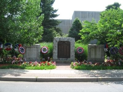 Hawthorne World War II, World War I, Korea and Vietnam Monuments image. Click for full size.