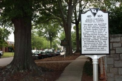South Carolina Memorial Gardens Marker seen looking south along Lincoln Street image. Click for full size.