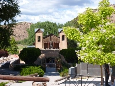 Santuario de Chimayo image. Click for full size.