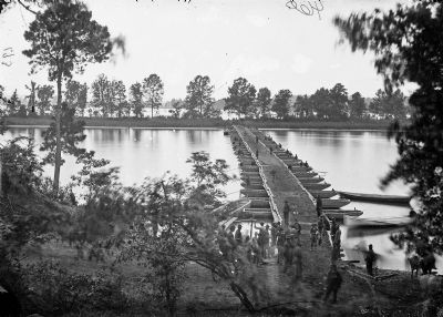 Pontoon bridge, Deep Bottom, James River, Va image. Click for full size.