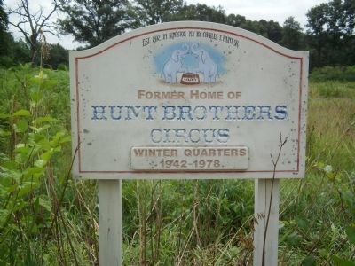 Hunt Brothers Circus Marker image. Click for full size.