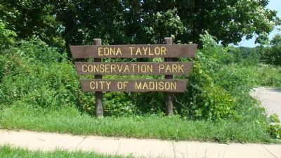 Entrance to Edna Taylor Conservation Park image. Click for full size.