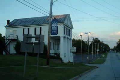 Charles Manly Marker in front of Masonic Lodge image. Click for full size.