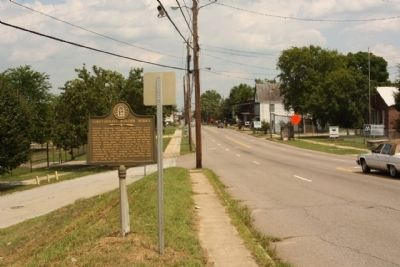 Confederate Powder Works Marker, looking east along Broad Street image. Click for full size.