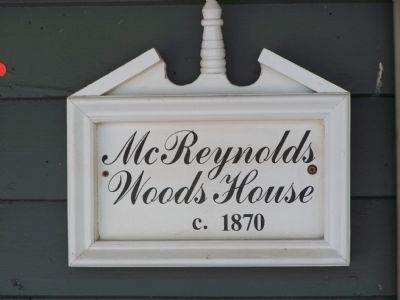 McReynolds-Woods House image. Click for full size.