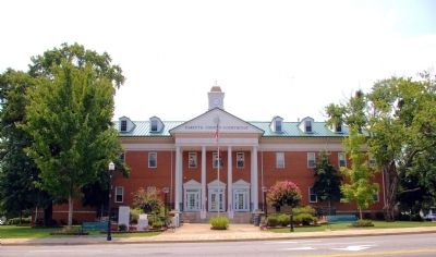 Forsyth County Courthouse image. Click for full size.