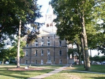 Hillsdale County Courthouse image. Click for full size.