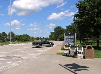 Wide view of the Historic Davenport / Interstate 80 Bridge Marker image. Click for full size.