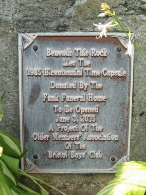 1985 Bicentennial Time Capsule Marker image. Click for full size.