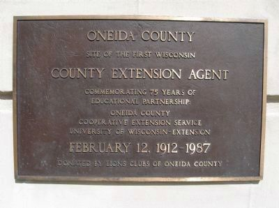 First Wisconsin County Extension Agent Plaque image. Click for full size.