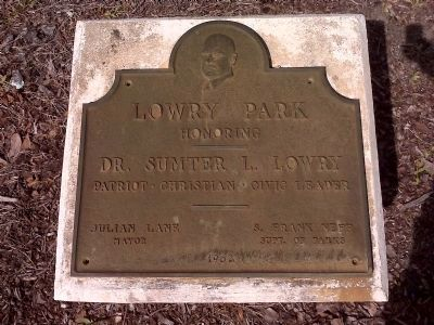 Lowry Park dedication plaque image. Click for full size.