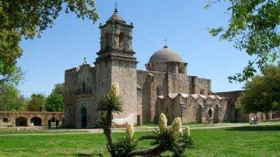 Mission San José Church image. Click for full size.