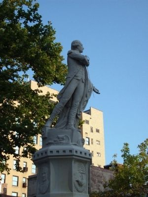 Right Side - - General Lafayette Statue image. Click for full size.