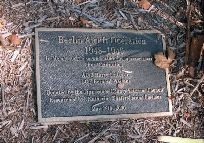 Right Plaque - 'Berlin Airlift' - - Tippecanoe County War Memorial Marker image. Click for full size.