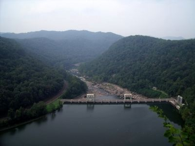 Hawk's Nest Hydroeletric Dam image. Click for full size.