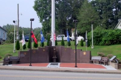 New Haven Veterans' Memorial image. Click for full size.
