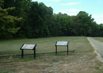 Clifts Plantation Burial Ground Marker (on the left) image. Click for full size.