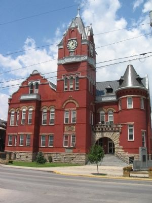 Tucker County Courthouse image. Click for full size.