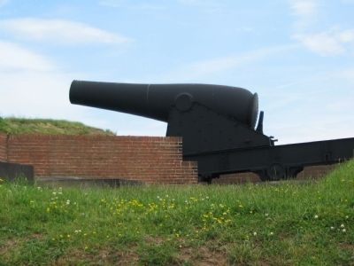15-inch Rodman Gun on the Ravelin image. Click for full size.
