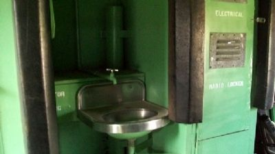 Southern Pacific Bay Window Caboose Sink image. Click for full size.