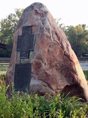 Other View - - Tippecanoe County War Memorial Marker image. Click for full size.
